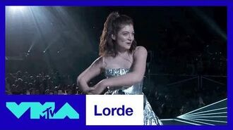 Lorde Performs 'Homemade Dynamite' - 2017 VMAs - MTV