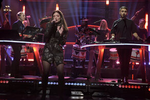Lorde-and-disclosure-perform-on-snl