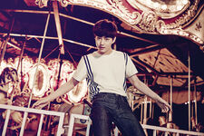 LOVE ME RIGHT Suho Promo