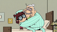 S4E14B Lisa and Albert hugging
