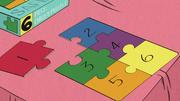 S2E07A Puzzle Leni