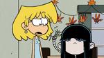 S3E21 Lucy cuts Lori's hair