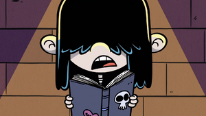 S3E08B Lucy membaca sajak