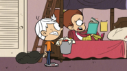 S2E21A Luan announces she's giving up comedy