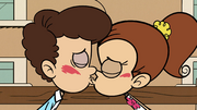 S3E25A Luan and Benny kissing