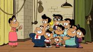 S04E05B Family photo