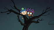 S2E17A Linc and Clyde on a tree