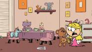 S03E20B Lola grabbing Mr. Sprinkles