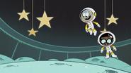 S4E9B Jumping in zero gravity