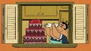 S2E13 Rosa icing the cake