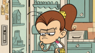S3E03B Luan thinks about stealing Linolns food