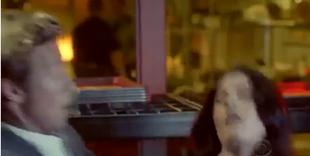 Screenshot Teresa fällt Patrick in die Arme 5x14