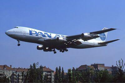 800px-Pan Am Boeing 747-100 Manteufel