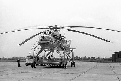 800px-Aeroflot Mil Mi-10 at Groningen Airport
