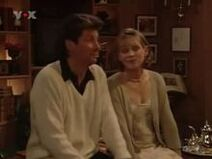Sarah and maxwell in the episode the wedding