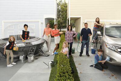 The Neighbors Cast