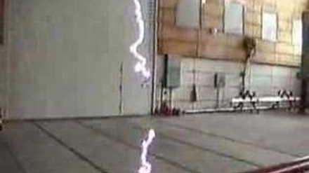 1,2 MV Hochspannung 1 Ampere Lichtbögen
