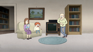 S4E30.068 A Family with a LaserDisc Player