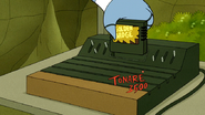 S6E19.168 Rigby Removes the Game Cartridge