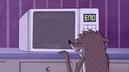 S6E08.006 Pizza Pouch in the Microwave