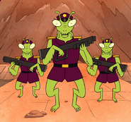 S8E05.036 Mantis Guards