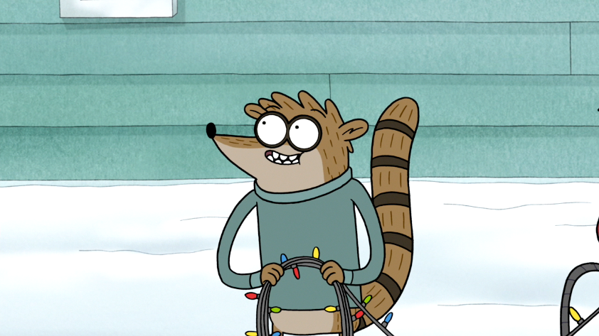 s6e10 025 rigby holding christmas lights png