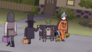 S7E09.279 Rigby Hi-Fiving Abraham Lincoln