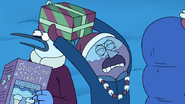 S8E23.082 Use your presents as weapons
