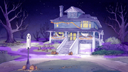 S6E04.032 Halloween Decorations on the House