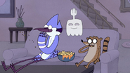 S4E34.023 Mordecai and Rigby Eating Nachos