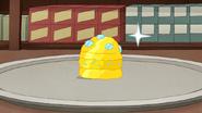 S7E26.123 Diamond-Encrusted Golden Burger