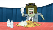 S4E27.034 Muscle Man Pouring Water on the Hot Dogs