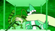 S4E24.219 Rigby Biting the Fanboy's Arm