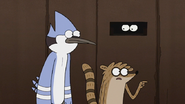 S7E24.084 Rigby Spotting a Hole in the Fence