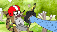 S6E24.111 Cassowary Headbutting Rigby's First Pan