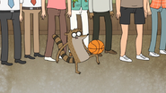 S5E10.073 Rigby Dribbling with His Knee