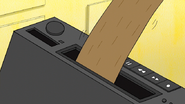 S7E20.063 Rigby's Arm Stuck in the VCR