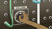 S7E23.014 Rigby Changing the Volume