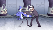 S4E36.186 Mordecai VS Security Guard 02