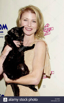 23-oct-2000-los-angeles-california-usa-original-caption-sabrina-the-teenage-witch-celebrate-their-100th-episode-at-the-sunset-room-in-los-angeles-beth-broderick-tsuni-usa-beth-broderick-098-be