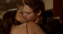 Grey Damon as Lee LaBeque and Phoebe Tonkin as Faye on The Secret Circle S01E16