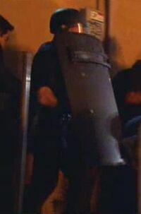1x12 Riot-police-1