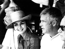 File:220px-George Peppard with Victoria Principal.jpg