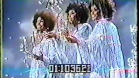 The Supremes - Up The Ladder To The Roof (LIVE!)