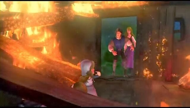 File:Derek and Odette found Alise with her unconcius father in they burning house..jpg