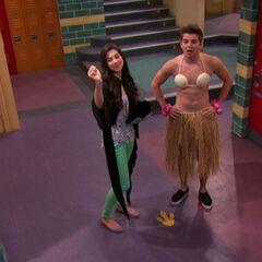 Phoebe's Prank - Max in Bra