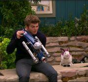 Max Holding Animalizer