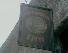 Harbour Inn sign