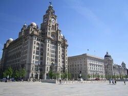 800px-The Three Graces, Liverpool - 2012-05-27