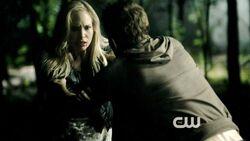 Caroline fermata da Stefan